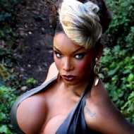 Naomi Black Hammer
