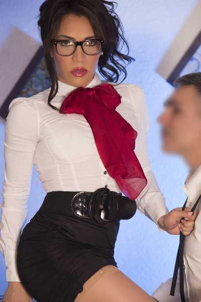 profile aythama escort