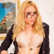 Melissa, transsexual (pre-op)